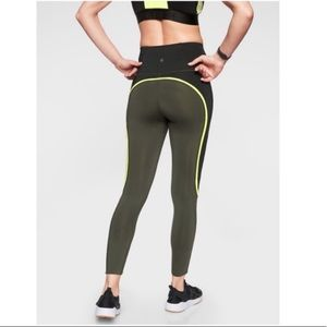 Athleta NWT spar color block 7/8 tight leggings